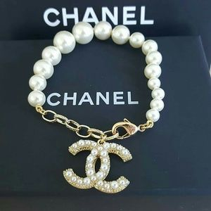 CHANEL CC Coco Mark Pearl Glass Gold Bracelet
